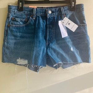 Levi's 501 shorts 28